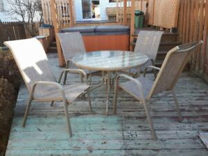 table et 4 chaises (set de patio 5 mcx)