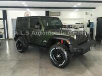 Jeep Wrangler Hard-Top 3.8 Automatik Military Edition