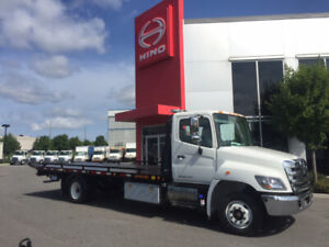 2019 HINO 258 W/ 22 FT CAR CARRIER