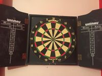 Dart set. Comes with all black darts. And case!