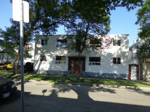 1R2 Vacant lot+6 Golden cash income Cap 6.53% sell by owner