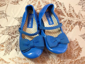 Toddler size 10 blue dress shoes Kingston Kingston Area image 1