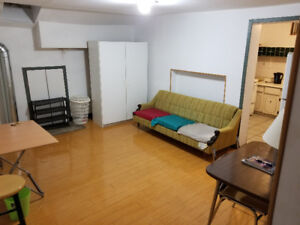 3 Bedroom apartment for rent convenient location for students