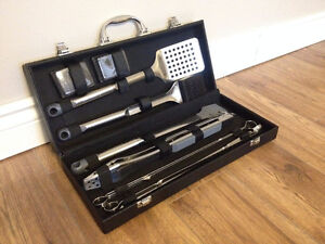 Cuisinart Grilling Tool Set - 10 Pieces (Never been Used!)