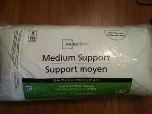 News pillows in original packing - 2 sizes