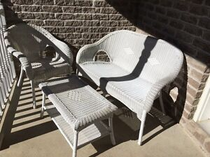 Excellent condition resin wicker set