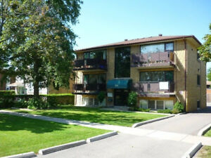 4 Bedroom Apartment in Fourplex - Walk to Brock U