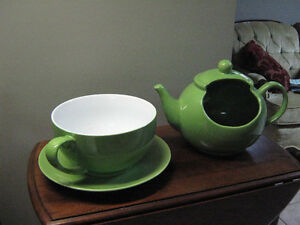 Large Novelty Tea pot and Cup