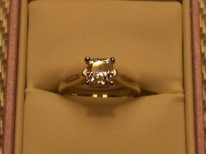 Solitaire Engagement/Wedding Ring