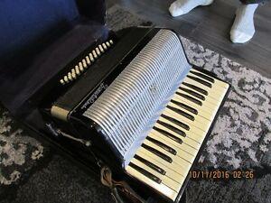 + Vintage Accordion + London Ontario image 2