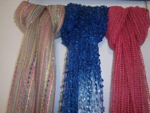 Variété de foulards soyeux (Neufs)