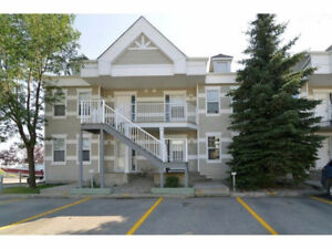 3 Bed / 2 Bath Condo with lots to offer in Strathmore