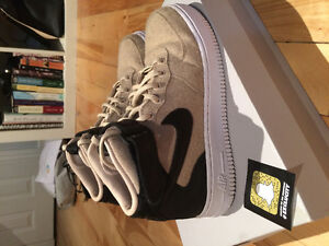 NIKE Air Force 1s size 7