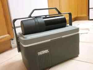 Lunch box with thermos Kitchener / Waterloo Kitchener Area image 1