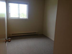One bedroom in a two bedrooms apartment for rent NOW