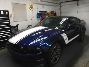 2010 Ford Mustang gt $25000 .