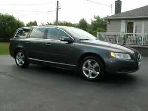 2008 Volvo V70 3.2 Wagon: Auto,Leather,Sun Roof,Drives Great!