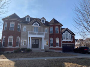 Gorgeous Upgraded 3+2 Bedroom Home in North Ajax, Corner Lot