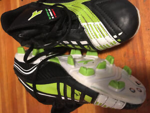 Youth soccer cleats size 4,5, 6, and 7