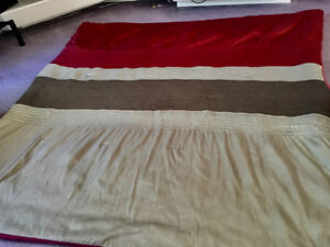 Queen size comforter (red/burgundy, beige/choc. brown)