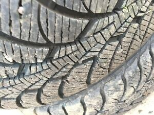 Goodyear Ultra Grip Ice Pro  195/65R15