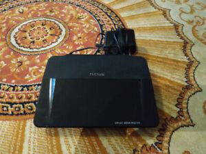 D-Link Wireless Router (DIR-827)