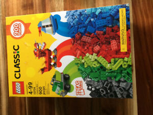 Lego 900pc set