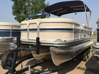 2015 Lowe Boats SS Pontoon 210 w/115 HP Mercury 4 Stroke
