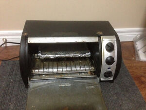 Toaster Oven - Works Well
