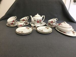 Collectible Antique Small Tea Cup Setting For 6