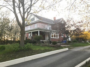 For Sale Whitby 2 -1/2 Storey Detached Home On 12 Acres Lot