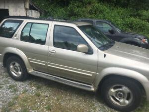 1999 Infiniti QX4 SUV $2000 OBO