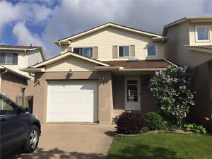 3 BDRM House Finished Basement Close to Bus, School, Shopping