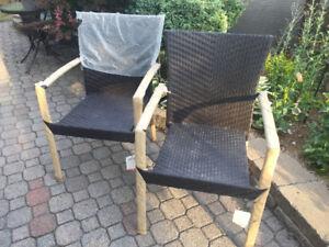 Chaises de terrasse neuves