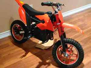 Brand new e-wheels mini electric dirt bike.