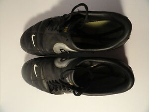 Soccer Indoor Shoes - Nike - Total 9011