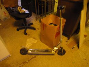 Folding aluminum scooter. Heavy Duty