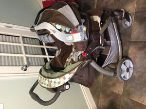 Complete graco travel set