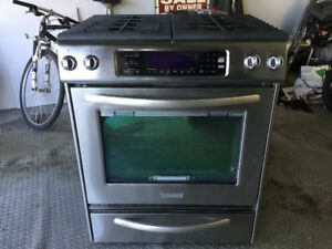 Kitchenaid 30  inch Slide in gas range convection