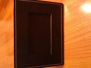 Digital picture frame, black leather