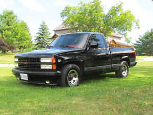 Very Clean 1990 Chevrolet 454SS Pick-Up - Low Km