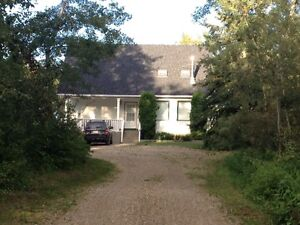 House for Rent on 10 Acres 10 Minutes From Peace River