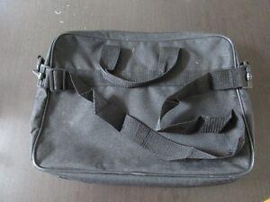 sac noir  pour portable ou Ipad