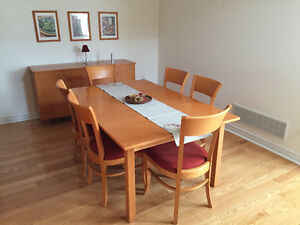 Dining set, table with self storing leaf, buffet and 6 chairs.