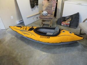 kayak gonflable avec pageais(reduit 225$)