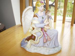 "Royal Doulton Figurine--"" Angel of Harmony "" Kitchener / Waterloo Kitchener Area image 4"