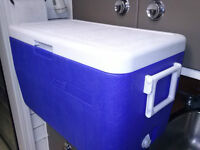 COOLERS, COOLER BAGS, INSULATED JUGS, TRUCK CONSOLE COOLER