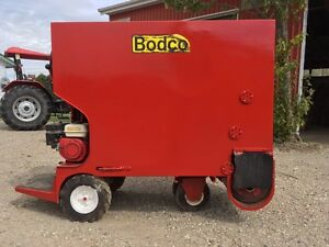 FARM!!! BODCO 53 Power Feed Cart Stratford Kitchener Area image 1