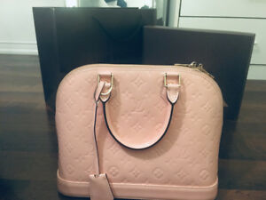 Stunning Baby Pink LV Alma PM purse for sale! Priced to go!