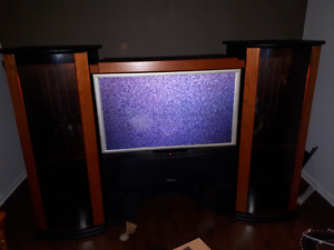 46in Hitachi 1080 he tv, with wallunit.